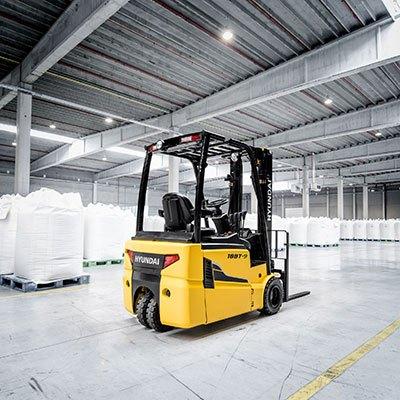 Lift Truck Rentals | Construction Equipment Rentals